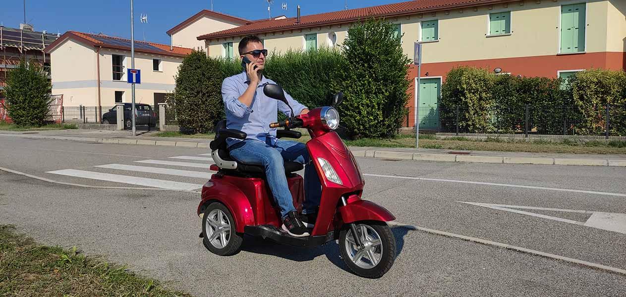scooter-3ruote-anziani-disabili-senza-patente-freedom