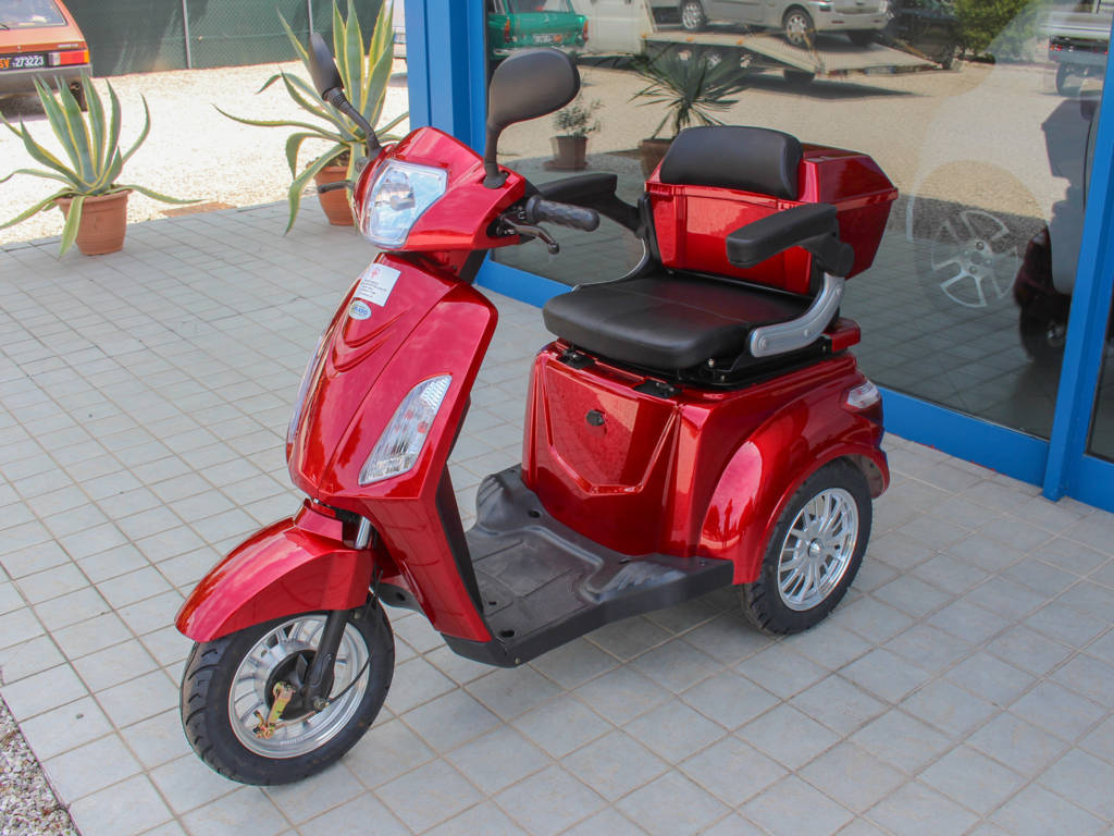 scooter-anziani-elettrico-senza-patente-freedom-3-ruote
